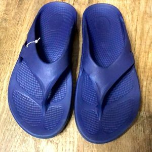 Oofos Men's Recovery Sandals
